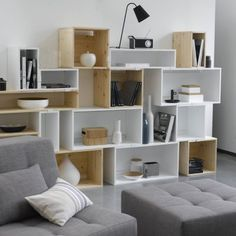 Down To Basics - Dekorieren mit Cube-Möbeln Down To Basics - Decorating with cube furniture shine - # - Cube Furniture, Furniture Design, Loft Design, House Design, Bed Design, Sweet Home, Diy Casa, Diy Home, Home And Deco
