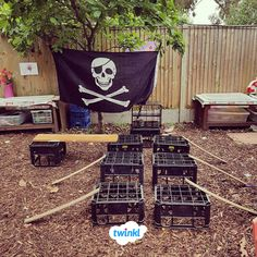 How great is this pirate ship role play outdoor area? Can your children guide the Pirate Activities, Eyfs Activities, Nursery Activities, Outdoor Activities, Eyfs Outdoor Area Ideas, Outdoor Learning Spaces, Outdoor Play Areas, Pirate Day, Pirate Theme