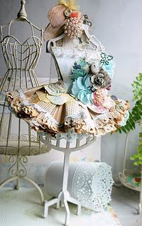 This is by far the best decorated dress form that I have seen.  could be done mini or with material on a larger form...