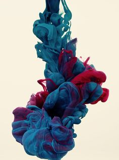 High-speed photographs of ink mixing with water by Alberto Seveso.