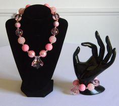 Girls Bubble Necklace & Bracelet Set Pink with Pink Teardrop Pendant…