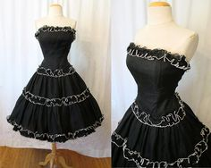 """Fabulous Style Designer Black Chiffon Strapless Party Prom Dress by """"Lillie Rubin"""" With sleeves, and perhaps a different color or an accent color, I'd totally wear this. Grad Dresses, Prom Party Dresses, Prom Dress, Strapless Dress, Vestidos Vintage, Vintage Gowns, 50s Outfits, Vintage Outfits, 1950s Fashion"""