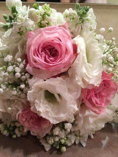 Bridesmaids bouquets detail 8-16
