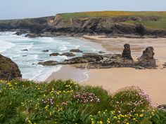 Low tide at Porthcothan, North Cornwall, England by rdhphotos North Cornwall, Devon And Cornwall, Cornwall Surfing, Rock Pools, Thing 1, Great Britain, In This World, Places To See, Countryside