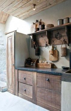 Rustic Kitchen Ideas – Rustic kitchen cupboard is an attractive combination of country cottage and farmhouse design. Search 30 ideas of rustic kitchen design right here Country Farmhouse Decor, Farmhouse Interior, Farmhouse Ideas, Farmhouse Style, American Farmhouse, Farmhouse Sinks, Rustic Kitchen Design, Interior Design Kitchen, Country Interior Design