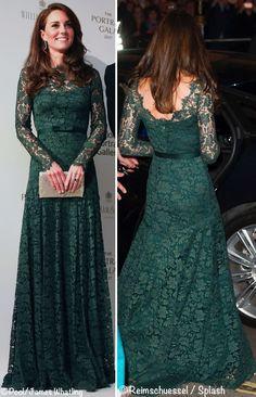 Accessantant sa robe de dentelle verte au sol Kate descendit la route britannique
