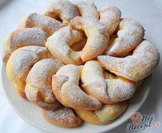 Czech Recipes, Ethnic Recipes, Croissant Bread, Eastern European Recipes, Bread Dough Recipe, Food Porn, Amazing Cakes, Coco, Sweet Recipes