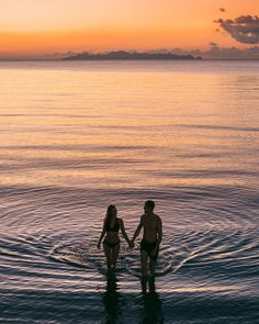 Follow @northabroad on Instagram to get travel inspiration from a digital nomad couple travelling the world full time. #digitalnomads #travelcouple #thailand #asia #travel Thailand Travel Guide, Asia Travel, Siargao Philippines, Siargao Island, Rock Pools, Koh Samui, Travel Photography, Photography Tips, Ultimate Travel