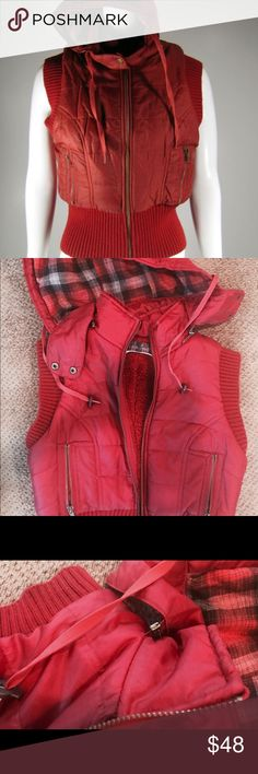 Free people vest ⭐️FINAL MARKDOWN👇🏼 Red vest with plaid detachable hood Free People Jackets & Coats Vests
