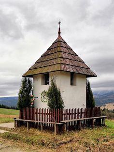 Burzowa Kapliczka Tatra Mountains, Home Altar, Chapelle, Krakow, Kirchen, Travel Inspiration, Gazebo, Cathedral, Beautiful Places