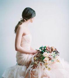 おしゃれな「秋冬ウェディングブーケ」の結婚式準備アイディア特集
