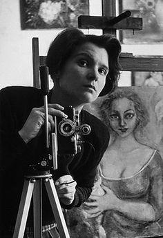 T for tout - Annelise Löffler, Self-Portrait with a painting by Anneliese Planken, nd  [Selbstporträt (mit einem Gemälde von Anneliese Planken)]