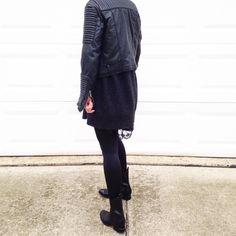All black everything. Styled via fashionably.fit