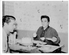 elvis-presley-and-sam-phillips-eating-ice-cream-and-cake-in-1956-in-picture-id75982211 (594×476)