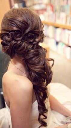 Pretty hairstyle for a wedding