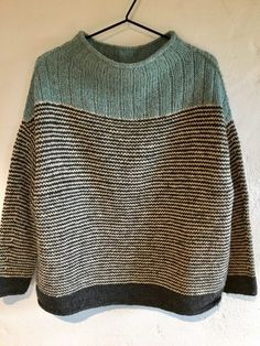 Origami pattern by Lon Kjeldsen om Ravelry Jaquard Tricot, Black And White Baby, Knitwear Fashion, Knitting Yarn, Pulls, Knitting Projects, Knitting Patterns, Afghan Patterns, Purse Patterns