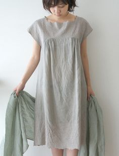 [Envelope Online Shop]Fleurs dress -- love the colour -- love the neckline