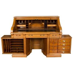 Tapas, Small Office Organization, Roll Top, Antique Desk, Antique Furniture, Old Desks, Chicago, Business Furniture, Raised Panel