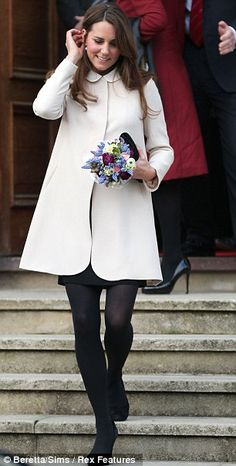Kate Middleton Pregnant Belly March 2013 | Kate Middleton lookalike invests in fake baby bumps so she can blossom ...