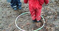 Alter: ab 2,5 Jahren Besonders gefördert: Selbstbild, Gruppengefühl Dies ist ein schönes Spiel für draußen, auch gut geeignet für kalt...