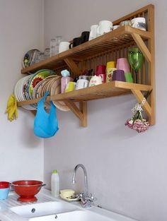Um cantinho funcional e rústico na cozinha