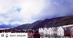 I hope you enjoyed your trip to Bergen. Come back soon  #reiseliv #reisetips #reiseblogger #reiseråd  #Repost @kami_ksiazek (@get_repost)  Nie ma takich chmur nie ma takich problemów nie ma takiego dna życia przez które promień czy kawałek nieba nie potrafiłby się przebić gdy wokół szaro. Cierpliwość w połączeniu z Twoją wytrwałością mogą wiele gdy nie dasz się. Na swojej drodze często spotykamy ludzi którzy czasem nie mają żadnego powodu do uśmiechu. Najwyższa pora wziąć sprawy w swoje ręce…