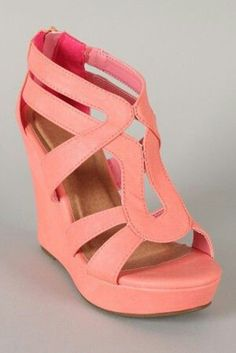 We love coral wedges! These look like Shauna shoes! Beauty And Fashion, Look Fashion, Passion For Fashion, Fashion Shoes, Womens Fashion, Coral Fashion, Fashion Dresses, Crazy Shoes, Me Too Shoes
