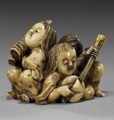 Antique Very Well-Carved Ivory Netsuke  (Katabori) of Three Children Late 19th Century.