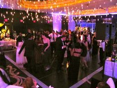 There was no first dance, no parent dances, no cake cutting just Dinner, Toasts and Lots of Dancing! Tanvi & Reza