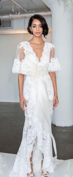 Brautkleider-Trends 2018: DAS sind die 100 schönsten Kleider! : Fotoalbum - gofeminin Sexy Wedding Dresses, Wedding Gowns, Formal Dresses, Trends 2018, Beautiful Gowns, Beautiful Bride, Bridal Fashion Week, Bridal Style, Style Inspiration