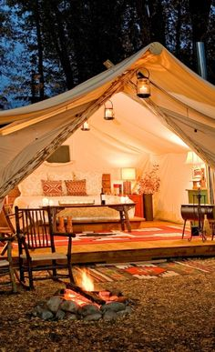 Become one with nature in Jackson Hole. This is my kind of camping! Glamour + camping = Glamping.