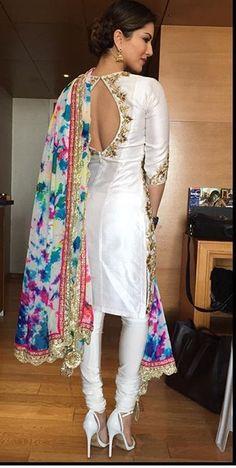Sunny Leone # Bollywood fashion # colourful dupatta # Indian fashion #