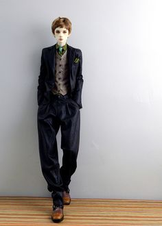 Nic_suits_01