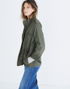 A laid-back take on a field jacket with throwback military details like flap pockets and a cinchable drawstring waist. A not-too-heavy style that you can wear every month of the year. Green Utility Jacket, Cargo Jacket, Green Jacket, Jacket Images, Fashion Jackson, Jackets For Women, Clothes For Women, Field Jacket, Capsule Wardrobe