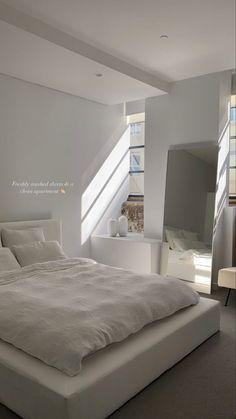 Room Design Bedroom, Room Ideas Bedroom, Home Room Design, Home Bedroom, Bedroom Decor, Bedroom Inspo, Bedrooms, Dream House Interior, Minimalist Room