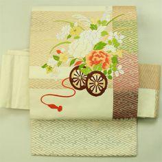 Ivory nagoya obi / 軽いパーティー用にも アイボリー地 刺繍の花車お太鼓柄 名古屋帯   #Kimono #Japan  http://www.rakuten.co.jp/aiyama/