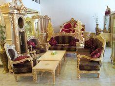 sofa mewah thalia. dengan type 3,2,1,1+1,2 Meja