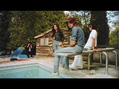 """Queen - the old days """"These are the days of our lives """" - YouTube"""