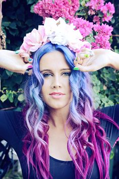 """""""Her roots hidden, a wallflower on a tree, she grew content within herself, loving who she had become for the world to see. Creative Hairstyles, Diy Hairstyles, Pretty Hairstyles, Rainbow Brite, Rainbow Hair, Wacky Hair, Funky Style, Mane Attraction, Hair Colours"""