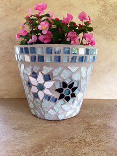 Mosaic planter large flower pot rustic plant by moZEHicDesigns Mosaic Planters, Mosaic Garden Art, Mosaic Flower Pots, Stone Planters, Pebble Mosaic, Mosaic Glass, Landscaping With Rocks, Landscaping Ideas, Backyard Landscaping