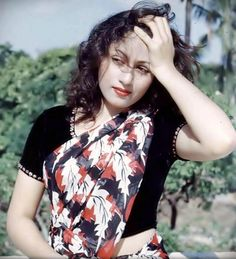 Queen of Bollywood Madhubala looks gorgeous as she poses for a photograph.Photogallery at Times of India Vintage Bollywood, Indian Bollywood, Bollywood Stars, Bollywood Fashion, Indian Sarees, Pakistani, Beautiful Bollywood Actress, Most Beautiful Indian Actress, Beautiful Actresses