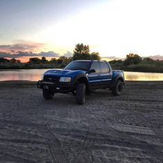 This off road fiberglass one piece will really change the personality of your Sport Trac from mild to wild! Includes one piece hood and fender wedges