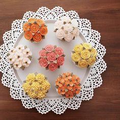 매시간 이렇게 즐겁게 배우시고 예쁘게 만드시기 있기요 없기요 베이직코스 3주차_ #flowercake#flowercupcake#am1122cake#buttercream#studentswork#mini#flower#florist#instacake#wilton#garden#플라워케이크#버터크림#꽃케이크#컵케이크#플라워컵케이크#버터크림케이크#버터크림#꽃스타그램#케익스타그램#베이직코스#수강생작품#정원#천호동#베이직코스