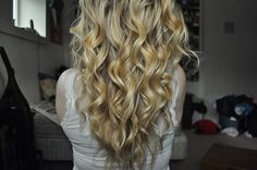 curly curly hairstyle