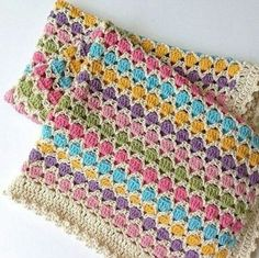 This Pin was discovered by Mama In A Stitch Knit and Crochet Free Patterns. - Crochet Clothing and Accessories Crochet Afghans, Crochet Blanket Patterns, Baby Blanket Crochet, Crochet Stitches, Knitting Patterns, Crochet Blankets, Shawl Patterns, Baby Blankets, Love Crochet