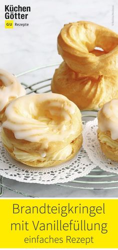 Brandteigkringel mit Vanillefüllung Simple recipe for choux pastry with vanilla filling. Raspberry Desserts, Apple Desserts, Vegan Desserts, German Baking, Choux Pastry, Sweet Bakery, Winter Desserts, Party Dishes, Pastry Recipes
