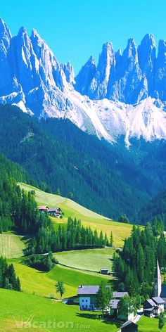 Switzerland is blessed with all the bounties of nature. It is the most preferred tourist destination among all the countries in the world. The Alps region has a cold weather most of the times, where…MoreMore  Suiça  For Information Access our Site   https://storelatina.com/switzerland/travelling  #switzerlandtravel #turismo #recipes #food