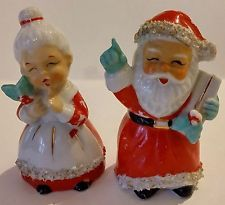 VINTAGE PORCELAIN SANTA AND MRS CLAUS SALT & PEPPER SHAKERS W/SPAGHETTI TRIM