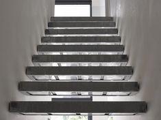 Traptredes met glasdallen Stairs, Home Decor, Stairway, Decoration Home, Room Decor, Staircases, Home Interior Design, Ladders, Home Decoration