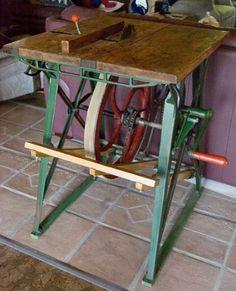 Photo Index - W. F. & John Barnes Co. - Table Saw , Circular Saw | VintageMachinery.org